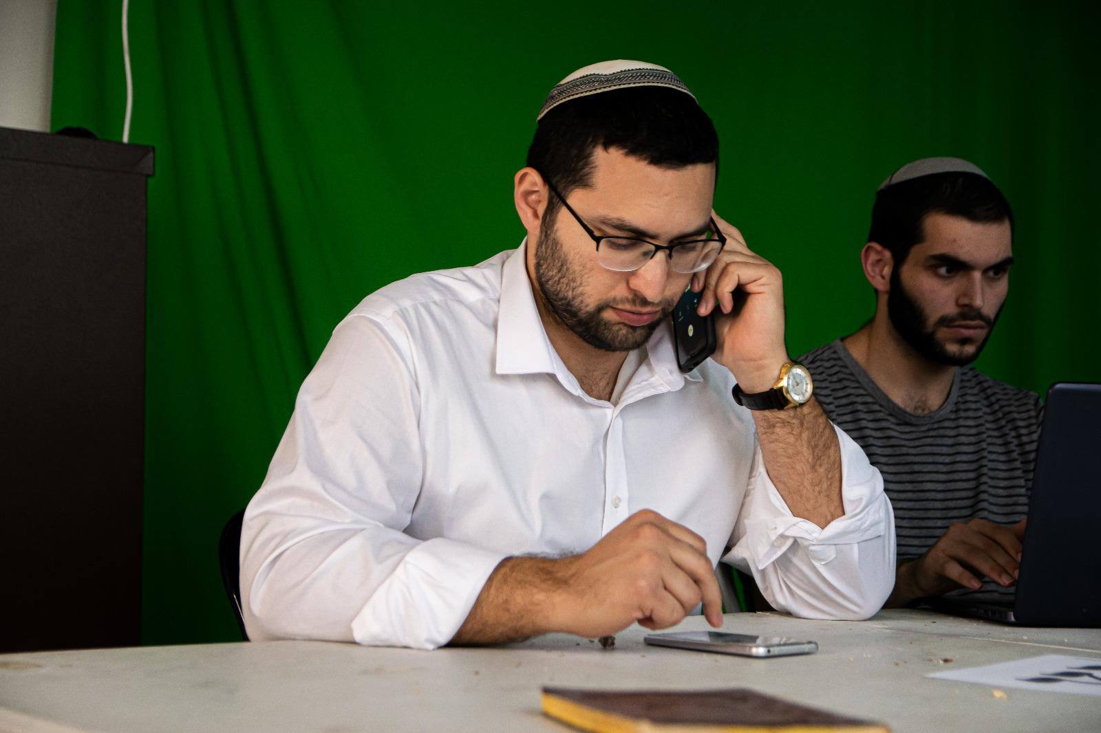 סקר מנדטים חדש: יהדות התורה צונחת, עוצמה יהודית קרובה מאד לאחוז החסימה